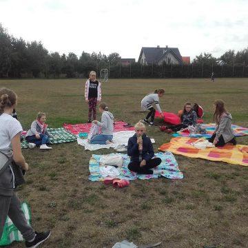 4b piknikuje ☺☺☺