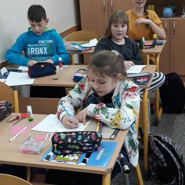 Klasa Vc na lekcji matematyki robiła własne książeczki o ułamkach zwykłych. Jaki będzie efekt końcowy?
