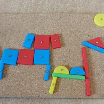 Z kilku gwoździ, młotka i figur geometrycznych można stworzyć bardzo kreatywną prace techniczną. Zapraszamy do galerii ze zdjęciami. Warto! Brawo świetlica.